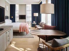 """Aby Rosen ist leidenschaftlicher Kunstsammler – und Hotelbesitzer. In New York eröffnete jüngst sein """"11 Howard""""-Hotel. Die Fassade gestalteten Künstler aus der Umgebung, angeführt von Jeff Koons; Space Copenhagen sorgte für ein nordisches Interieur."""