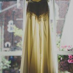 Der er nu intet som et smukt brudeslør... Dette er et vintage et af slagsen, som vil stå utrolig godt til en vintage kjole og et elegant bryllup.. Vi på kontoret er ellevilde med det.   Xoxo Malou - Vores Dag koordinator  Voresdag.wordpress.com