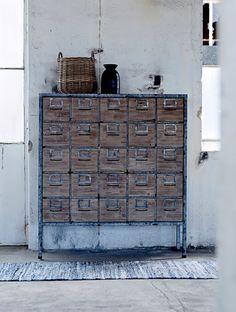 good memory cabinet...