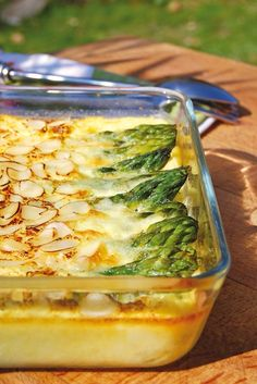Clafoutis Green Asparagus, Almonds and Parmesan ♥ Philippe Dufour Interfel Vegetable Recipes, Vegetarian Recipes, Cooking Recipes, Healthy Recipes, Vegetable Side Dishes, International Recipes, No Cook Meals, Food For Thought, Food Inspiration