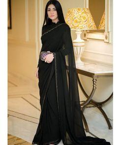 May 2020 - Sarah Khan is an amazing actress. Sara Khan looks Amazing in Saree. Party Wear Indian Dresses, Pakistani Fashion Party Wear, Pakistani Wedding Outfits, Pakistani Dresses Casual, Dress Indian Style, Indian Fashion Dresses, Pakistani Dress Design, Indian Designer Outfits, Beautiful Pakistani Dresses