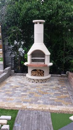 Browse the entire Buschbeck range of wood fired pizza ovens, BBQs and outdoor fireplaces here! Luxury backyard living is only one Buschbeck away. Outdoor Patio Designs, Outdoor Decor, Narrow Garden, Fire Pizza, Wood Fired Pizza, Firewood, Alfresco Ideas, Outdoor Living, Garden Design