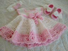 Vestido de bebé de ganchillo por DoreensGiftCreations en Etsy