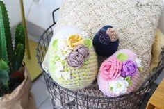 Kitouchy : Oeufs de Pâques au crochet, format XXL ! [DIY] Crochet Flowers, Creations, Easter, Blog, Patterns, Frida Khalo, Amigurumi, Old Pillows, Pageants