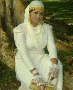 Israelite woman traditional dress