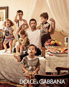 2014 dolce-and-gabbana-spring-summer-2014-campaign-ad-children-collection-featuring-bianca-balti-and-tony-ward-casualwear-1-480x600