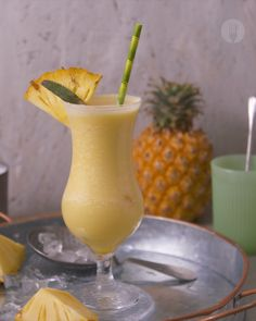 """Singing """"if you like Piña Coladas"""". This cocktail just screams SUMMER. Absolutely refreshing and a firm crowd pleaser! With frozen pineapple chunks, pineapple juice, coconut cream and a splash of rum. this is guaranteed to impress🍍 Como Fazer Pina Colada, Frozen Pina Colada Recipe Malibu, Pina Colada Malibu, Pina Colada Cocktail Recipe, Easy Pina Colada Recipe, Alcoholic Punch Recipes, Alcohol Drink Recipes, Alcoholic Drink Recipes, Cocktail Recipes"""