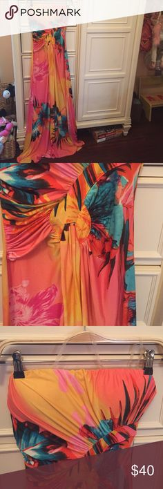 Gorgeous full length strapless tropical beach Gorgeous full length strapless tropical beach dress. Worn once. Fits like 4 Dresses Maxi