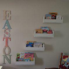 Pallet bookshelves for nursery