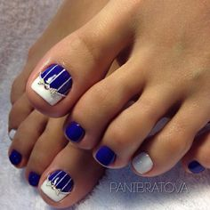 Toe nail art is one of the best ways to make your feet look sexy and interesting. If you are fond of nail art and manicure, you should pay more attention to you Toenail Art Designs, Pedicure Designs, Pedicure Ideas, Pretty Toe Nails, Cute Toe Nails, Pretty Pedicures, Toe Nail Color, Nail Colors, Summer Toe Nails