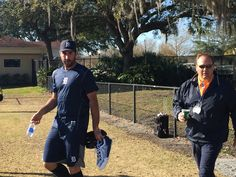 Justin Verlander and assistant GM David Chadd arrive at spring training, 02/18/2016