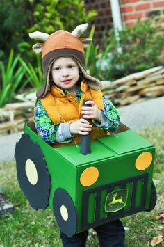 Tractor Halloween costume Farmer Halloween Costume, Transformer Halloween Costume, Unicorn Halloween, Toddler Halloween Costumes, Halloween Kostüm, Farm Costumes, Farm Theme, Natal Diy, Boxcar