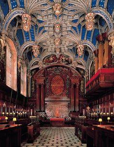 The Chapel at Hampton Court Palace, UK #travel