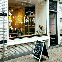BAKERY CAFE BLOEM - Eten. Drinken en Slapen want het is ook een B&B. Je leest hier waarom dit een van de leukste B&B's van #Alkmaar is. Hartje centrum