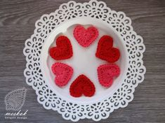 Pretty Photos, Valentines Day Hearts, Napkin, Special Day, Holidays, Ring, Crochet, Cake, Lace Table