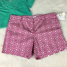 Laundry by Shelli Segal pink white shorts Brand new with $169 tag. Size 12. Adorable preppy shorts! Nice and a great length. Faux pockets in the back and the front. Comes with an extra button, too. Belt loops! Laundry by Shelli Segal Shorts