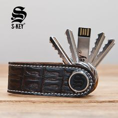 S-Key keychain @skeyshop - Model Crocodile-style.  The elegant and design concept to carry your keys. Your keychain will be unique ! Checkout : www.skeyshop.com - Free shipping US and Canada #Luxury #MensFashion #menstyle #paris