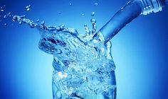 Как и кислород, вода является первостепенным веществом для обеспечения жизни человека, вода это основа жизни. Вода участвует практически во всех процессах на земле. Источники указывают разные данные, но все они сходятся в том, что содержание воды в организме более половины от массы тела человека. Без пищи человек может продержаться от месяца до двух, а без […]