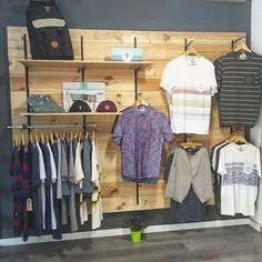 Clothing Store Displays, Clothing Store Design, Boutique Interior, Surf Store, Pallet Display, Industrial Shop, Retail Store Design, Retail Space, Shop Interiors