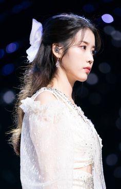 Korean Beauty Girls, Cute Korean Girl, Cute Teen Outfits, Outfits For Teens, Cool Girl, Cute Girls, Girl Photo Poses, Korean Actresses, Girl Crushes