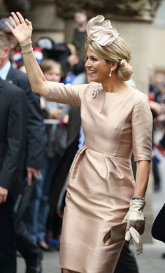 Queen Maxima of The Netherlands waves upon her arrival at 'Haus der Niederlande' on 27.05.2014 in Muenster, Germany.