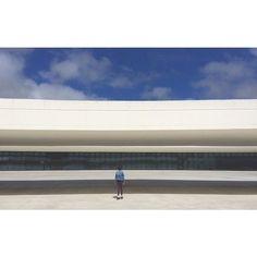 Ainara #niemeyer #architecture #streetphoto