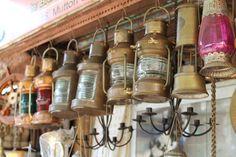 Friday Finds ☆ Antique & Vintage Shopping in Chor Bazaar ☆ Mumbai India - CHUZAI ☆ LIVING