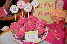 Cupcakes at a Beauty and the Beast Party #beautyandthebeast #partycupcakes
