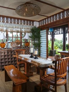 Taking inspiration from old Boholano houses, the owners maximized a lot by building a rustic Filipino retreat that highlights a splendid view and local materials Interior Design Pictures, Home Interior Design, Interior Paint, Modern Interior, Tropical Interior, Interior Ideas, Filipino Interior Design, Filipino House, Saint Claude