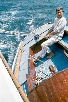 JFK sailing a Wianno Sr.