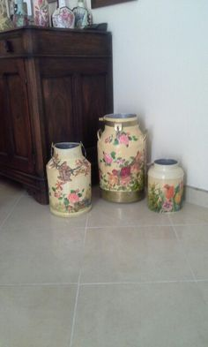 Cántaros  en decoupage   Colombia Decoupage, Vase, Canning, Home Decor, Colombia, Decoration Home, Room Decor, Home Canning, Jars