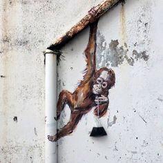 ARTE DE RUA - Ernest Zacharevic - Kuching, Malaysia - new piece street art 3d Street Art, Murals Street Art, Urban Street Art, Amazing Street Art, Street Art Graffiti, Street Artists, Urban Art, Amazing Art, Graffiti Kunst