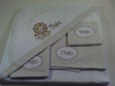 01 toalha de capuz, forrada com fraldas 01 fralda de apoio 70x70cm 02 fraldas de boca 37x40cm. (Acompanha saquinho para lavar roupas delicada na máquina)