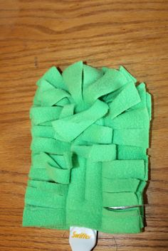 They are totally cute fleece refills for the Swiffer Duster. Fleece Projects, Diy Sewing Projects, Sewing Hacks, Sewing Tutorials, Sewing Crafts, Sewing Ideas, Sewing Tips, Sewing Patterns, Diy Crafts