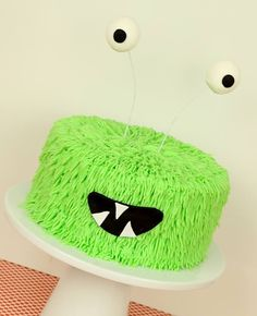 Video Tutorial – Monster Party Cake by Cake Style TV
