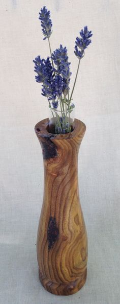 This bud vase is turned from red bud. Red bud is a common tree, but products made from the wood are rare as the trees typically do not grow large Cool Wood Projects, Pvc Pipe Projects, Lathe Projects, Wood Turning Projects, Woodworking Projects, Wood Router, Wood Lathe, Cnc Router, Contemporary Vases