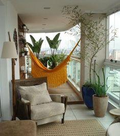 Der Balkon   Unser Kleines Wohnzimmer Im Sommer Mit Hängematte Und  Terassenmöbel Aus Holz