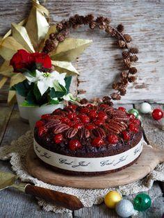 Pasta i kremet tomatsaus og en god del basilikum - Mat På Bordet Christmas Wreaths, Xmas, Spicy, Bacon, Goodies, Food And Drink, Muffins, Table Decorations, Fruit