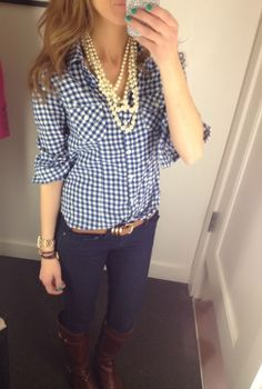 I need a gingham shirt this fall.looks like it's the go to pattern! Preppy Mode, Preppy Style, Style Me, Preppy Fall, Preppy Casual, Classy Casual, Fall Winter Outfits, Autumn Winter Fashion, Autumn Style
