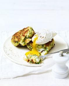 Fish and potato doesn't always have to equal fish and chips. These fishcakes require minimal effort and use fresh summer produce – an easy midweek dinner. Seafood Recipes, Dinner Recipes, Cooking Recipes, Dinner Ideas, Shellfish Recipes, Meal Recipes, Spicy Recipes, Salmon Recipes, Veggie Recipes