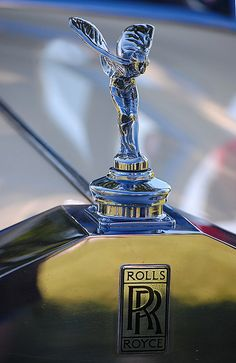That hood ornament will one day be sitting in my garage! Roll Royce Spirit