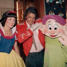 Michael Jackson with Snow White and Dopey Dwarf.