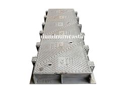 Lockable cover carriageway' s cover and base frame integrate connection, hinge-type opening, sledgehammer hit not break it, completely anti-theft. If you need, welcome to contact us to know more. Composite Material, Steel Material, Cast Iron Bench, Ductile Iron, Layer Paint, Cast Steel, Iron Pipe, Water Spray, High Carbon Steel