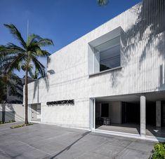 https://www.designboom.com/architecture/basiches-arquitetos-asociados-sao-paulo-porcelain-facade-01-25-2018/