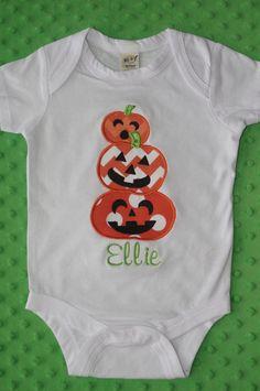 Halloween Applique Shirt-- Stack of Pumpkins-- Personalized Machine Embroidery Applique, Applique Patterns, Applique Designs, Embroidery Designs, Halloween Applique, Halloween Shirt, Halloween Fun, Puffy Paint Shirts, Diy Kids Shirts