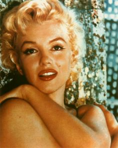 #marilyn monroe #blonde  #sexy #fashion #summer #sexy marilyn #smile #red