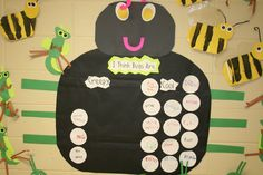 do you think bugs are creepy or cool? (insects and bug week) Insect Crafts, Bug Crafts, Kindergarten Language Arts, Kindergarten Lessons, Spring Activities, Preschool Activities, Insect Activities, Crafty Kids, Science For Kids