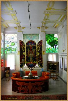 In the district of Vienna (Penzing to its friends) one finds two villas, side-by-side, constructed by the great Jugendstil architect Otto Wagner to be his personal residences. Mosaic Glass, Stained Glass, Art Deco Sofa, That One Friend, Windows And Doors, Villa, Living Room, Mirror, Blue
