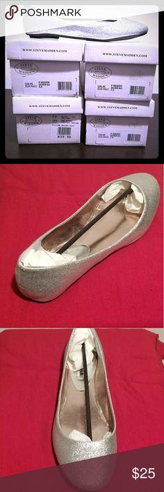 Steve Madden P-heaven Brand new, never worn silver glitter flats. Steve Madden Shoes Flats & Loafers