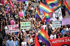 EN IMAGES. Les Gay Pride européennes rendent hommage aux victimes d'Orlando